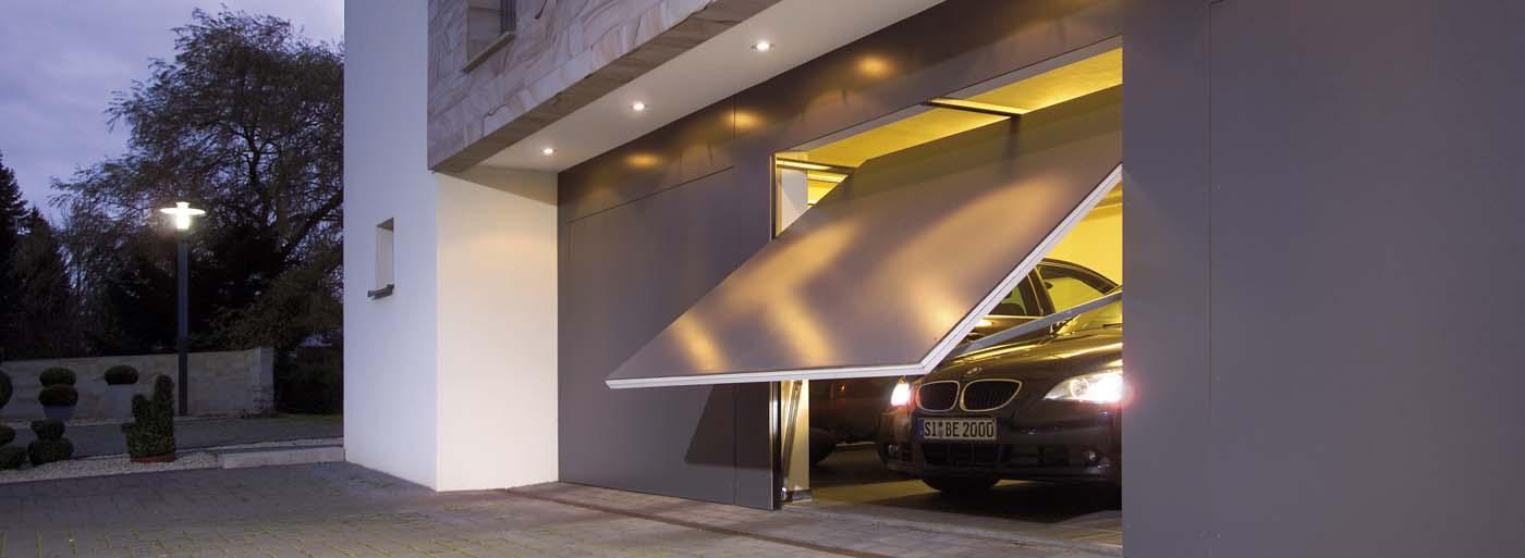 Porte de garage basculante N80 motif 905 avec bardage par l'utilisateur
